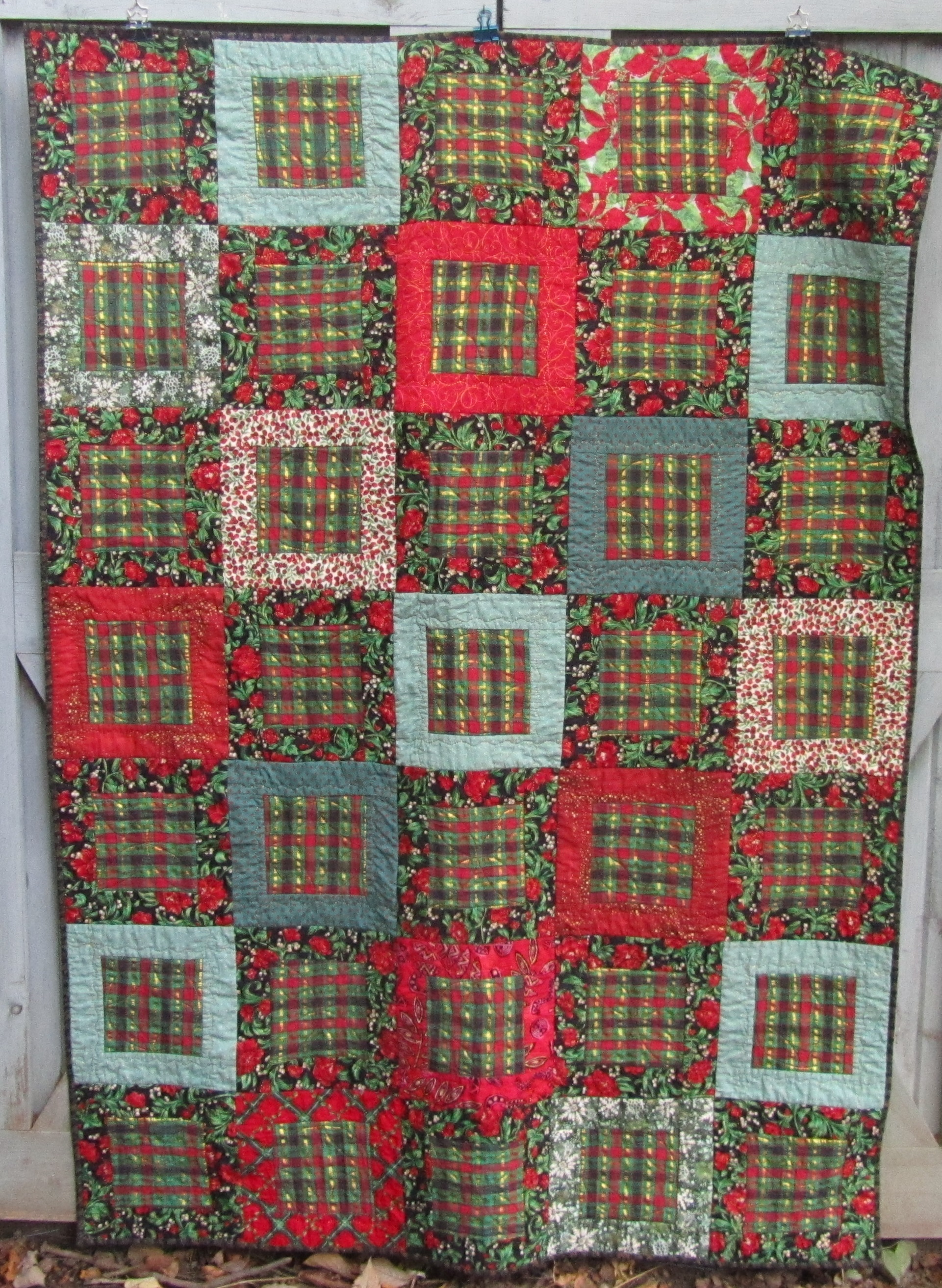 quilts the street finished is walnut lorna christmas pattern while one quilt three sew ugly just tops learn this of at finish over sweaters grow i cannot quiltwalnut titled holidays fresh